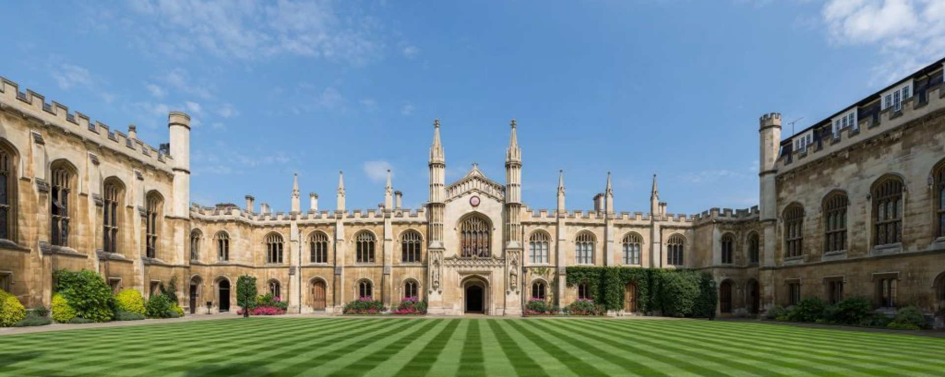 Corpus_Christi_College_New_Court,_Cambridge,_UK_-_Diliff